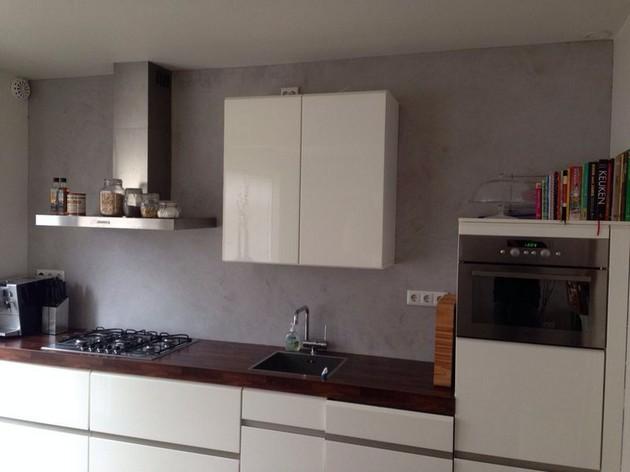 Achterwand keuken in Brander Stucco - Schildersbedrijf Dreijer Beerta
