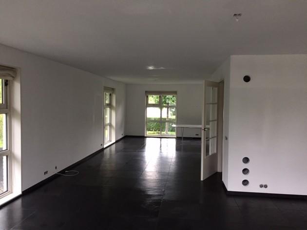 Muurverf spuiten wanden en plafond - Schildersbedrijf Dreijer Beerta