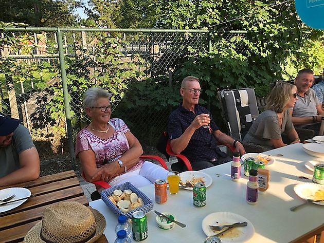 Barbecue pensioenfeest voor Johan Wortelboer - Schildersbedrijf Dreijer Beerta